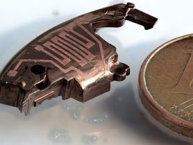 3D printing of conductive tracks directly on component surface