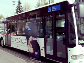 Digitalization roadshow bus on tour in Lower Saxony
