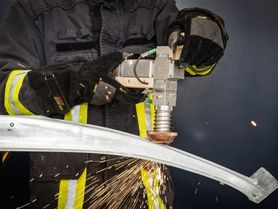 Mobile laser device for technical rescue operations