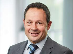Professor Endres baut Institut für Kunststoff- und Kreislauftechnik auf