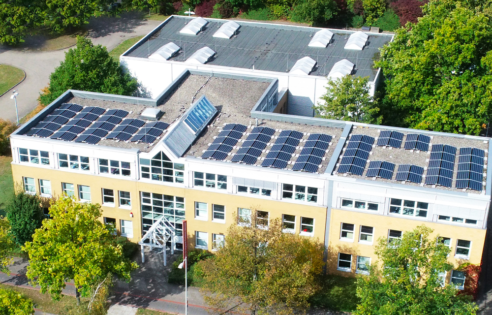 Sustainability as a corporate goal: The solar system on the roof of IPH is just one of numerous measures. (Photo: IPH)