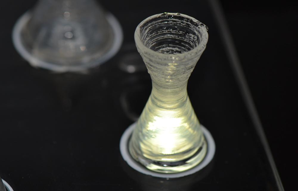 Der laserbasierte 3D-Druck von Glasbauteilen mit Hohlräumen